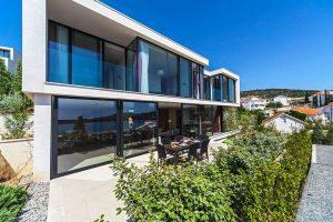 Exclusive Beach Villa with indoor pool and sauna