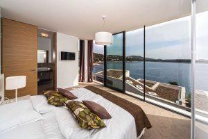 Modern Exclusive Beach Villa in Croatia with indoor pool, sauna