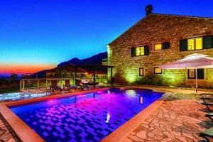 Private Family Villa near Dubrovnik with private pool, jacuzzi