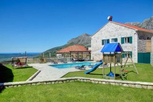 Private Villa near Dubrovnik with pool, jacuzzi