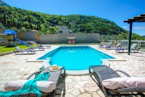 Family Villa near Dubrovnik with pool and jacuzzi