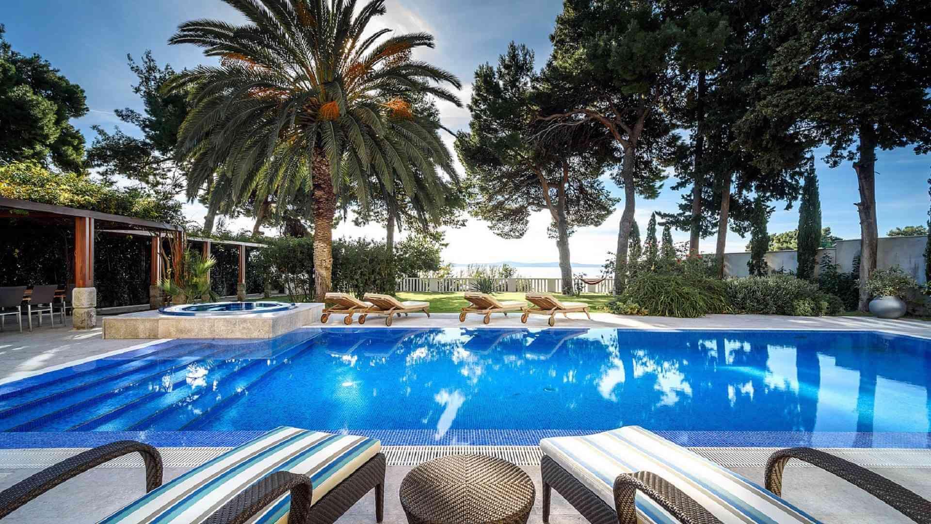 Romantic Holiday Villas in Croatia with pools in Split Hvar Makarska Brac