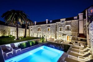 Exclusive Dubrovnik Villa with pool by the sea