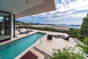 Exclusive Holiday Villa in Dalmatia with pool by the sea, sauna
