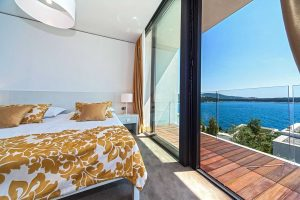 Exclusive Villa in Croatia with pool and sauna by the sea