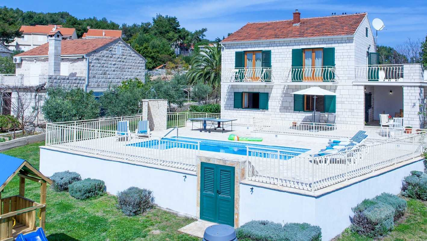 Brac Holiday Villa With Pool By The Sea Sumartin Villas