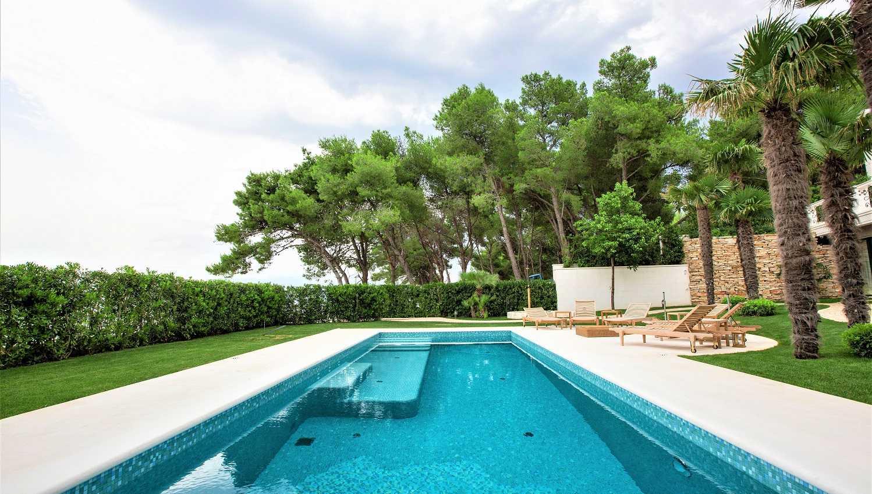 Exclusive Villa Near Split With Pool By The Beach Villas