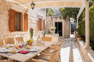 Luxury Villa in Dubrovnik Old Town with pool, sauna, outdoor dining
